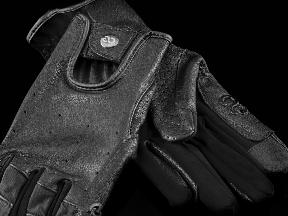 American Equus Hunter Luxe Equestrian Riding Gloves close up